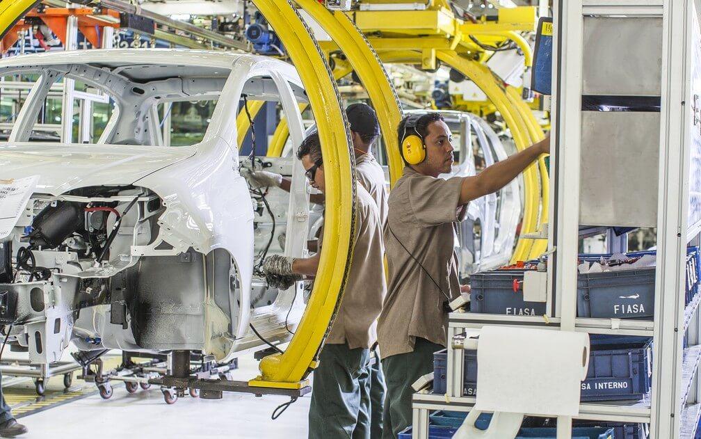 primeiro semestre marca queda de 1,6% na indústria