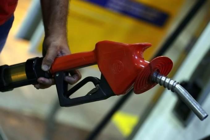 preços do diesel e da gasolina serão reduzidos por petrobras