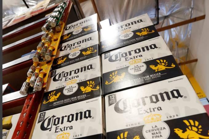 cerveja corona afirma que não houve queda nas vendas