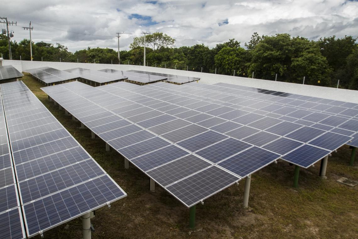 complexo fotovoltaico gera energia para universidade federal do ceará