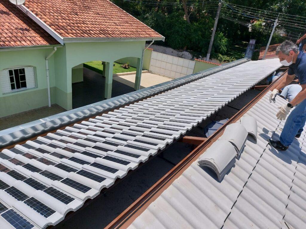 primeira-telha-solar-brasileira-inicia-suas-vendas